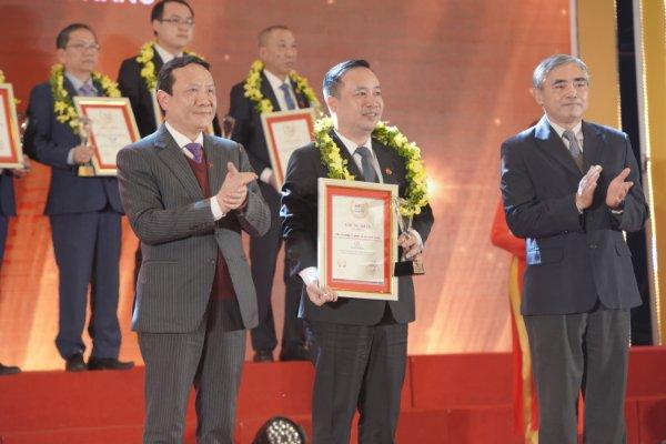 DAPHARCO 5 năm liền đạt Top 10 công ty Dược Việt Nam Uy Tín năm 2020 Nhóm ngành: Phân phối, kinh doanh dược phẩm, trang thiết bị y tế.
